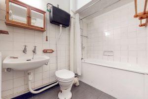 4kL66MXCg6B - Bathroom